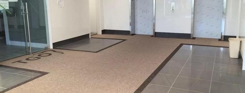 tapis d'entrée d'une entreprise